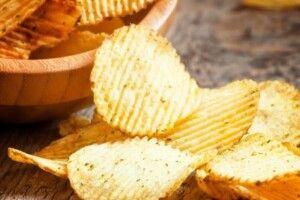 Шанс для волинської бульби: у Швейцарії закінчуються чипси й гостро бракує картоплі для їх виробництва