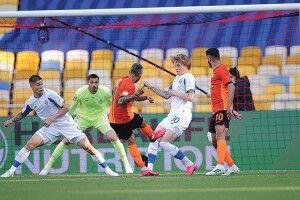 «Динамо» забиває,  а «Шахтар» — перемагає