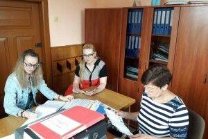 Юристи консультували селян у Чарукові Луцького району
