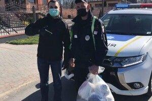 Володимир-Волинські поліцейські отримали 400 масок від мецената