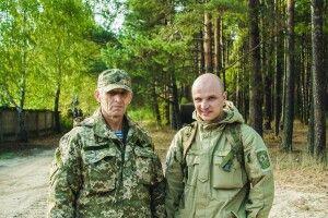 Кіборг з Маневич пішов у військо разом з батьком (відео)