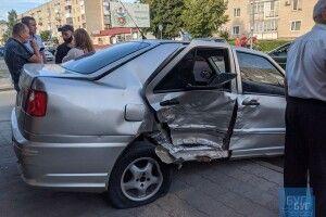 Чотири «круті» автівки постукались у центрі Володимира-Волинського (Фото)