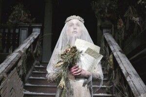 Чекала нареченого 35літ інезнімала вінчального плаття