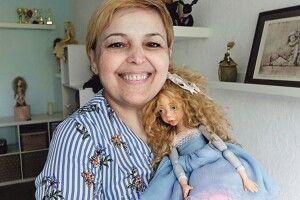 Від ляльок Оксани Сальникової плачуть політики