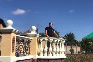 Житель Володимира-Волинського подарував рідному місту… терасу!