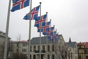 У парламенті Ісландії на 30 депутатів буде 33 депутатки