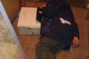 На Симона Петлюри в Рівному «на гарячому» схопили банду «ведмежатників» на чолі з пенсіонером (фото)