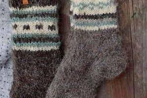 Відзначили волонтерку, яка зв'язала більше 500 пар шкарпеток для захисників