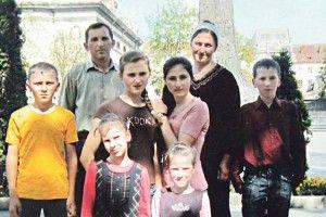 Мирослава, Любу і Настю чекала доля «державних» дітей