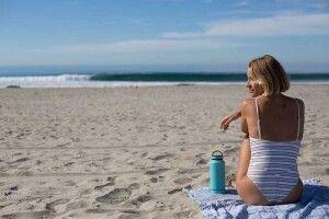 Лікар-косметолог розповів, як правильно захиститися від сонця