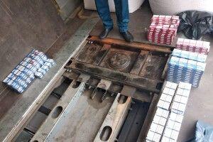 У Ягодині через приховані 300 пачок сигарет водій втратив причеп до вантажівки