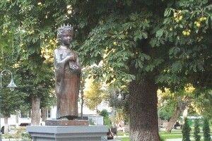 І постала королева Анна в Луцьку на день  його 935-ліття