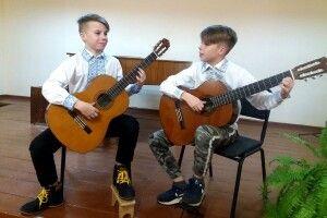 Брати-близнюки з Турійщини підкорили Всеукраїнський музичний конкурс (Відео)