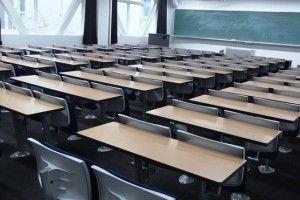 Першокласник випав з вікна третього поверху школи