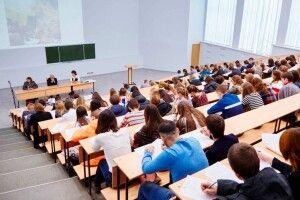 Навчання у виші і на заводі: у двох закладах Рівненщини стартує проєкт дуальної освіти