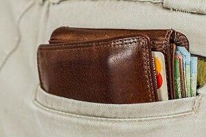 У волинянки поцупили гаманець із банківськими картками