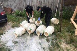 500 літрів самогонки знайшли у волинянки