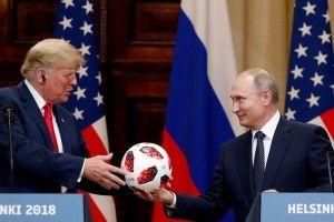 «Не тількикоментарі Трампа імбецильні, він повністю  в кишені Путіна»