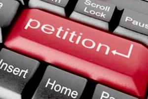 Українці захопилися петиціями: присвоїти Порошенкові звання Героя – така петиція з'явилася на сайті президента