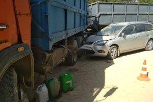 У Луцькому районі легковик зіштовхнувся з вантажівкою