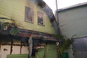 Будівля обшита пінопластом і вагонкою плавилася на очах у костопільських пожежників