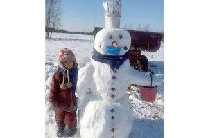 На Волині зліпили антикоронавірусного... сніговика
