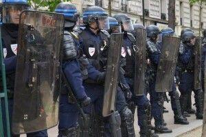 Під час акції «жовтих жилетів» у Парижі затримано понад сотню її учасників
