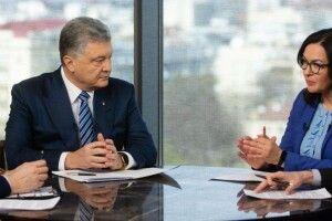 Порошенко: Відсутність співпраці з МВФ означає дефолт, а дефолт означає наступ Росії