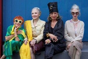 Зеленського просять зменшити пенсійний вік для жінок до 50 років