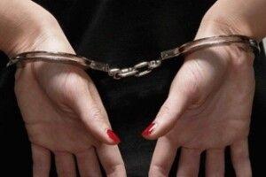 38-річна львів'янка намагалася продати 17-річну доньку в сексуальне рабство до Чехії