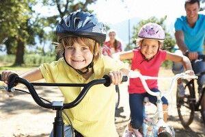 Коли у Луцьку діти сідлають велосипеди, у матерів — стреси
