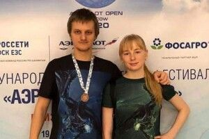 Двох українських шахістів знайшли мертвими у московській квартирі