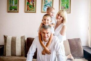 «У нас вдома уколи робить тато»*