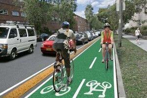 Лучани вимагають від міськради дати дорогу велосипедистам