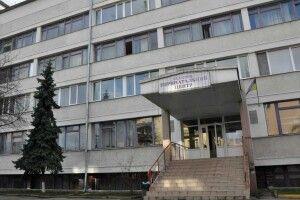 В Івано-Франківську – спалах коронавірусу в обласному перинатальному центрі