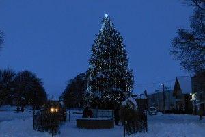 І на Горохівщині засяяли новорічні ялинки (Фоторепортаж)