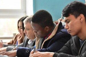 Скільки іноземних студентів навчається в Україні