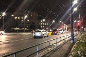 У Луцьку на площі Возз'єднання зіткнулися три авто (Фото)