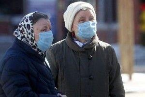 Волинські реалії: «Буває,щонаші підопічні, боячись занесення інфекції, непускають додому– тоді обслуговуємо їхчерез поріг»