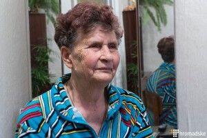 Мама Сенцова: «У Криму всі бояться і нічого не говорять про Олега. Якщо запитають — на вушко відповідаю»