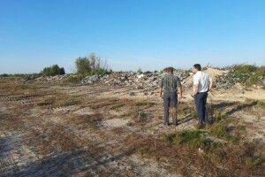 У селі на Волині мешканці сортують пластик і скло, які потім здають