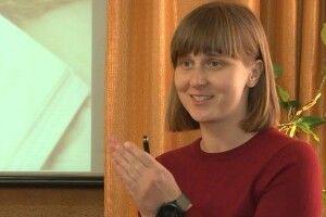 У Луцьку вчителька безплатно готує школярів до ЗНО (Відео)