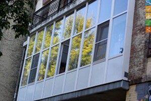 14-річна львів'янка впала з балкона