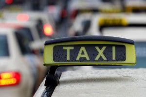 У Парижі таксист засадив ножа в груди своєму пасажирові-вболівальнику «МЮ», бо той надто радів з перемоги над ПСЖ