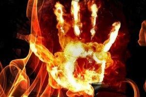 Обгорів до кісток черепа: чоловік всунув голову у грубку з вогнем