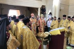У храмі Святого Миколая у Волновасі лунає молитва українською мовою
