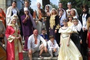 Актори з «Рiзнобарв'я» запрошують на показ вистави володимир-волинців та гостей міста