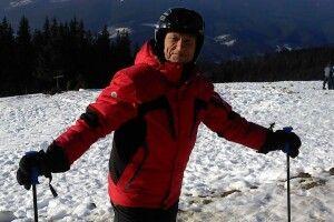 Усвої 87Євген Антропов мчить із гір на лижах