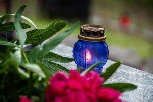 В Івано-Франківську померлу від коронавірусу жінку поховали на окремо виділеній ділянці цвинтаря