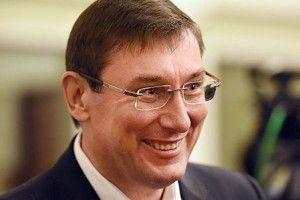 Луценко пропонує, аби Порошенко із Зеленським дебатили один одного у бібліотеці